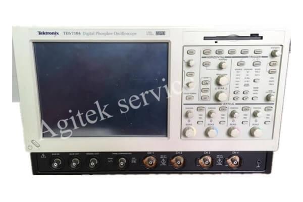 TDS7104示波器